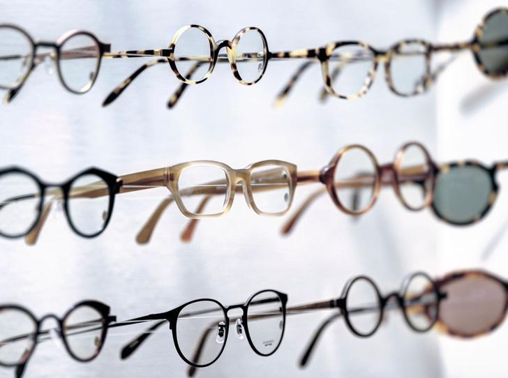 Фото №3 - За стеклом: 3 главные ошибки при покупке оправы для очков
