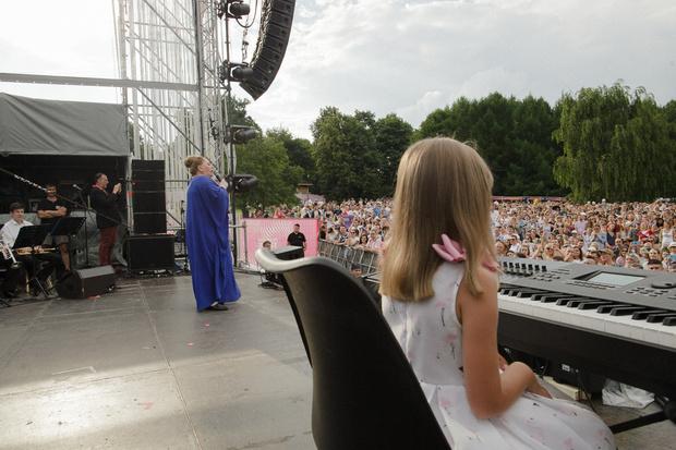 Фото №3 - Нино Катамадзе спела на фестивале ради незрячей девочки