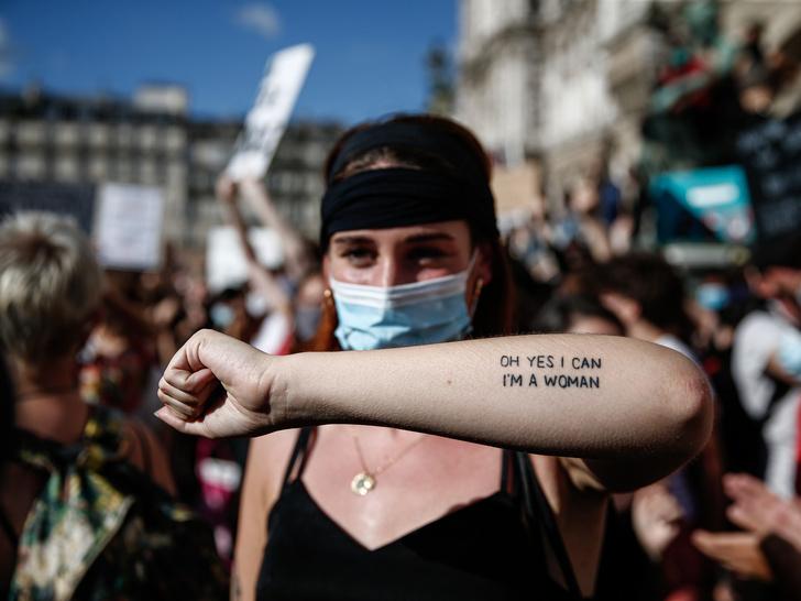 Фото №4 - 4 мифа о феминизме, в которые пора перестать верить