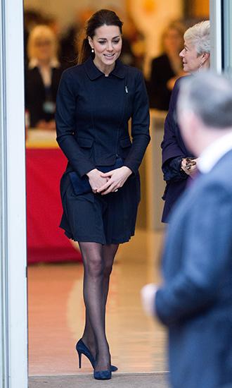 Фото №10 - 5 причин, почему Кейт Миддлтон не ругают за мини-юбки