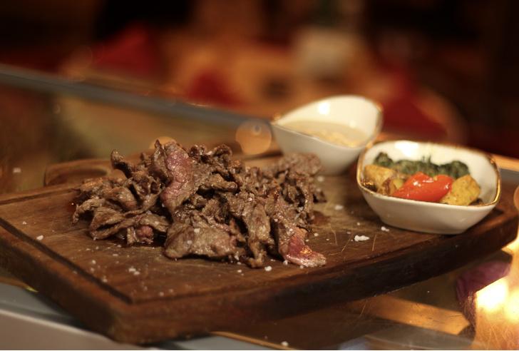 Фото №2 - Спагетти из мяса, лукум из говядины: чем удивляют в московских ресторанах