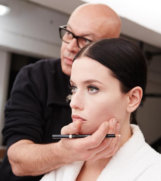 Фото №7 - Как правильно накрасить ресницы: how to от визажистов Givenchy