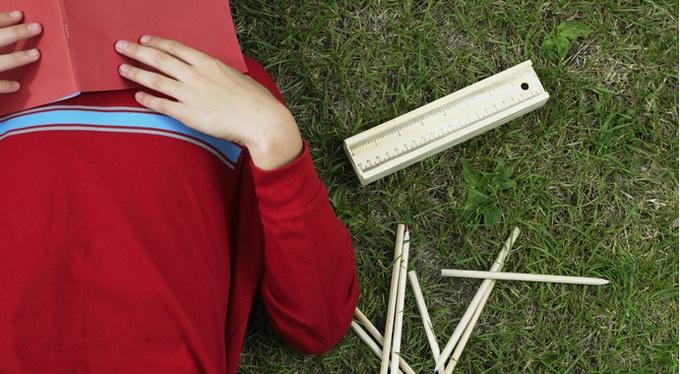Встать в строй: как помочь ребенку вернуться к учебе и пережить еще один школьный год