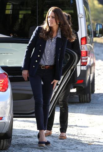 Фото №10 - Принцесса масс-маркета: как герцогиня Кейт носит одежду бюджетных брендов