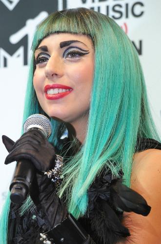 Фото №11 - Как хорошела Леди Гага: все о громких бьюти-экспериментах звезды