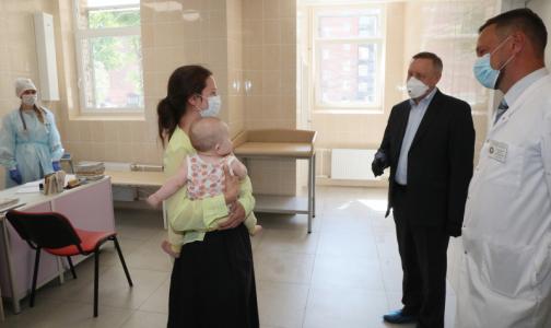 Фото №1 - Детскую поликлинику на Мытнинской отремонтируют по частям - переезда не будет