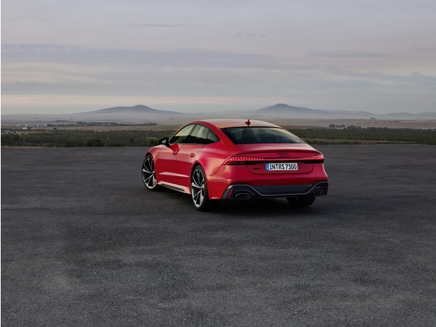 Фото №3 - Новый Audi RS 7 Sportback: инновационный дизайн и высокая эффективность