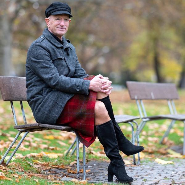 Фото №1 - Инженер, тренер, любитель женских туфель: пенсионер из Германии рассказал, почему носит каблуки