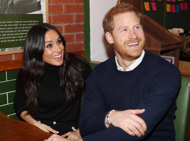 Фото №9 - Принц Гарри и Меган Маркл накануне Дня всех влюбленных приехали в Шотландию