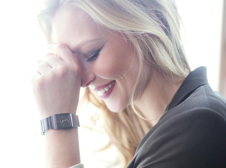 Фото №1 - День и ночь: какие часы Rado выбрала Юлия Пересильд