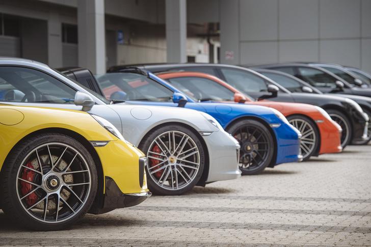 Фото №1 - Вирус Porsche: как прокатиться на всех моделях автомобильного бренда за один день