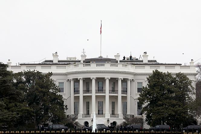 Фото №20 - Белый дом Дональда: кого дразнит Трамп?