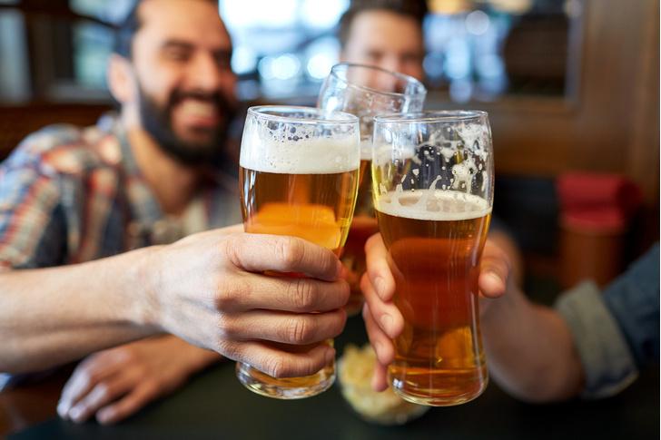 Фото №3 - 10 правил мужского поведения в баре
