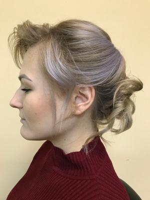 Фото №2 - Как заплести праздничную косу: пошаговая инструкция