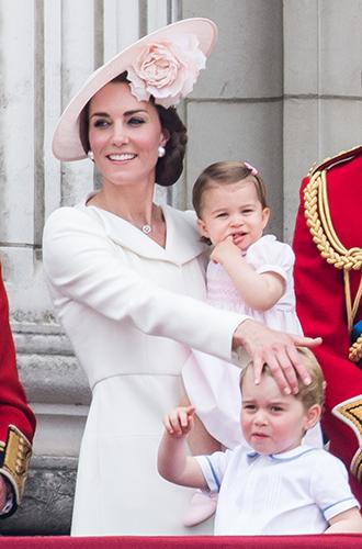Фото №22 - Самые трогательные моменты из жизни герцогини Кембриджской в 2016 году