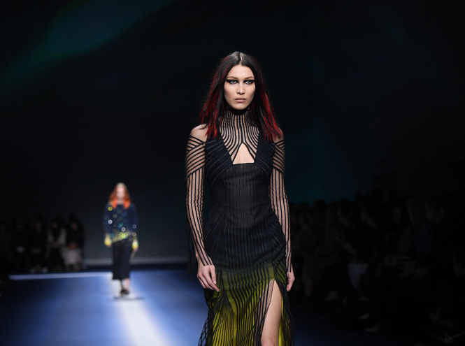 Фото №38 - Fashion director notes: сильный ход Versace