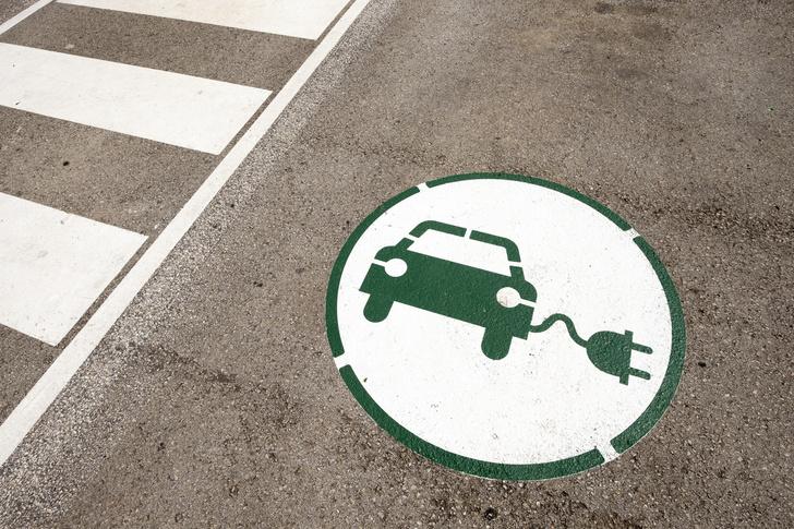 Фото №1 - В Европе впервые продано больше электромобилей, чем дизельных авто