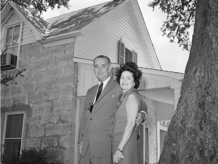 Фото №4 - Как отдыхают президенты и Первые леди: самые неформальные отпускные фото глав США с их супругами