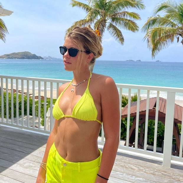 Фото №1 - 6 составляющих идеального отпускного образа по версии Софии Ричи
