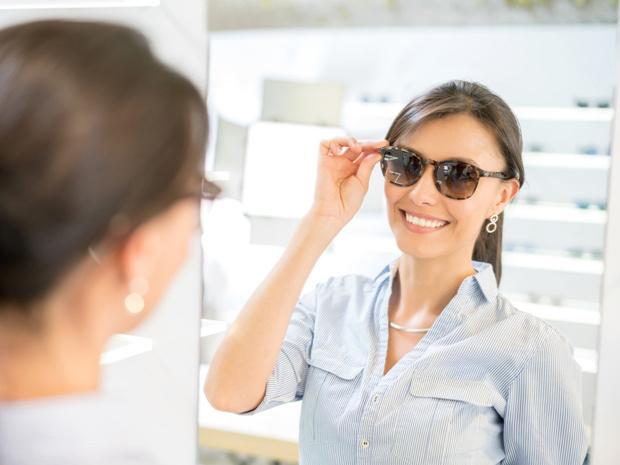 Фото №3 - 4 вредных привычки, которые портят зрение (и как от них избавиться)