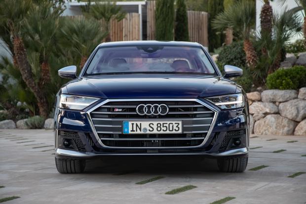 Фото №3 - Быстрый и роскошный Audi S8 уже доступен для заказа