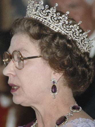 Фото №6 - Самый мистический камень: лучшие выходы королевских особ в аметистах