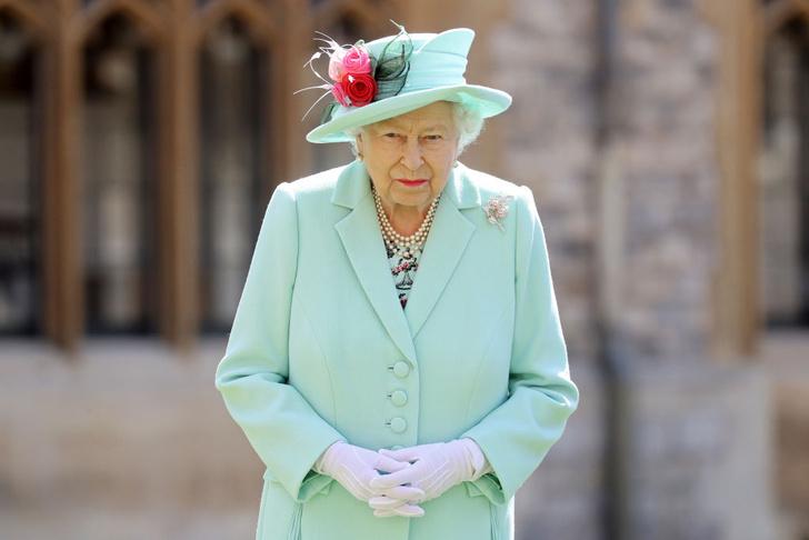 Фото №1 - Секреты Ее Величества: о чем Королева пишет в свой тайный дневник