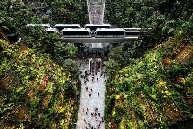 Фото №18 - 10 самых красивых аэропортов мира