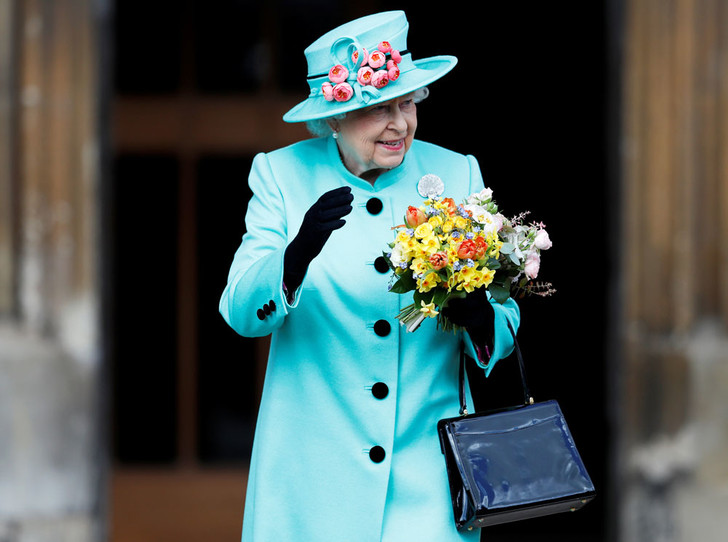 Фото №3 - Секреты Елизаветы: 8 новых историй о гардеробе Королевы