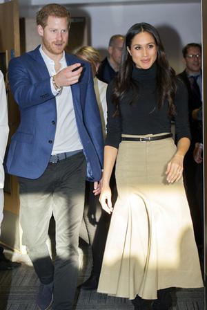 Фото №12 - Меган Маркл и принц Гарри начали свой тур по Великобритании