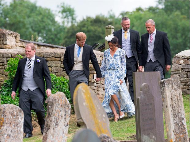 Фото №8 - Герцогиня Меган тратит на наряды больше герцогини Кейт