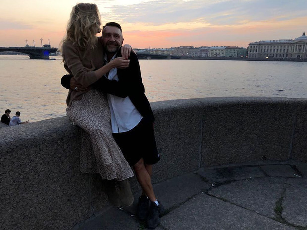 Фото №3 - Сергей Шнуров признался, чем его покорила четвертая жена