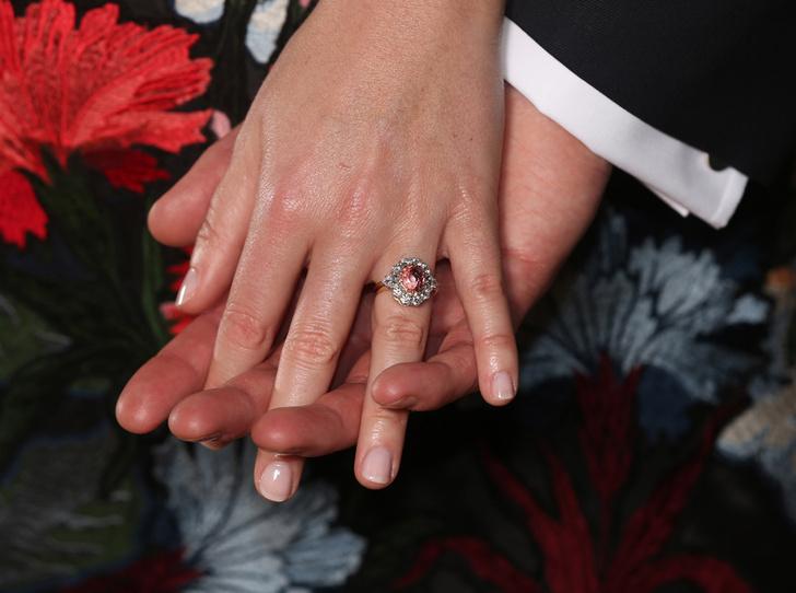 Фото №2 - Зачем принцесса Евгения пытается скопировать свадьбу принца Гарри и Меган