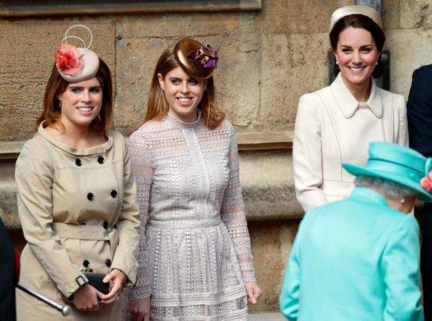 Фото №1 - Чужие люди: почему Кейт так и не подружилась с принцессами Беатрис и Евгенией