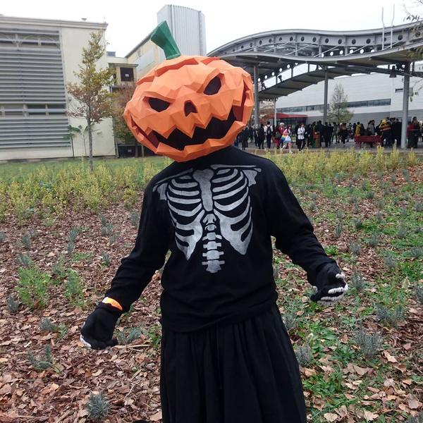 Фото №24 - 20 костюмов на Хэллоуин, которые можно носить с маской