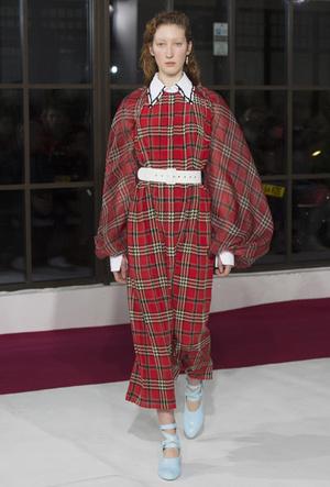 Фото №47 - Полный гид по самым модным платьям для холодного сезона 2018-19
