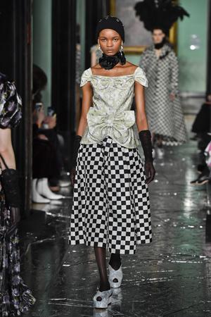 Фото №6 - Модная партия: как носить шахматный принт