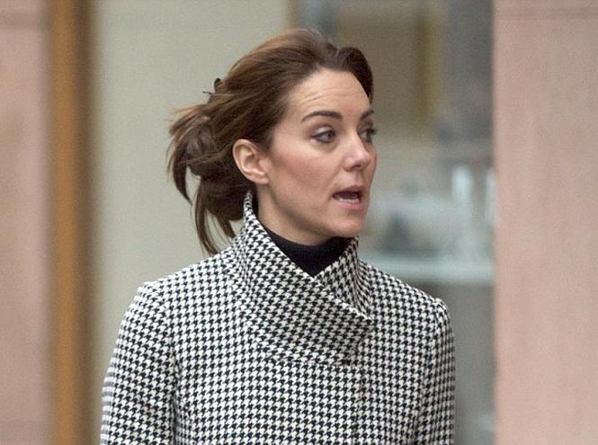 Фото №1 - Герцогиня Кембриджская отправилась на рождественский шоппинг