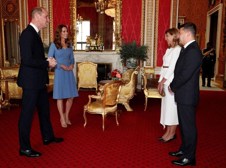 Фото №9 - Неожиданная причина, почему мы так часто видим Кейт в голубых и синих нарядах