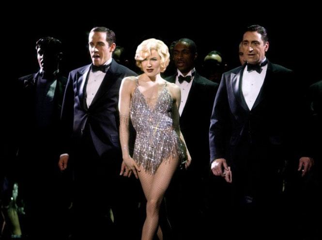 Фото №6 - От Бриджит Джонс до Джуди Гарленд: самые яркие роли Рене Зеллвегер