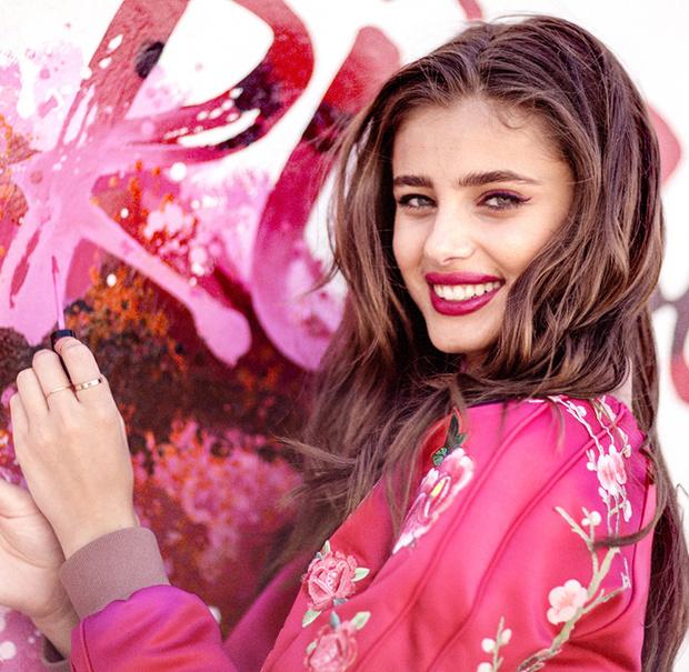 Фото №2 - Этюд в розовых тонах: 14 новых блесков для губ от Lancome