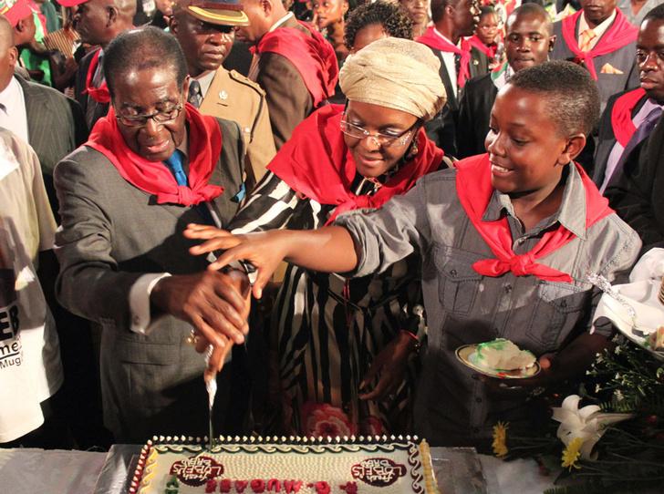 Фото №7 - Из первой леди в изгои: как Грейс Мугабе стала врагом своего народа