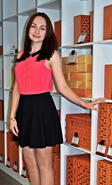 Фото №2 - Самая красивая девушка чебоксарских офисов определена!