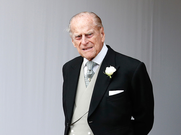 Фото №1 - «Принц Филипп неубиваем!»: как в соцсетях отреагировали на аварию Его Высочества
