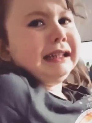 Фото №3 - Видео: девочка рыдает, узнав, что придется есть мамину еду