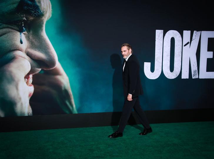Фото №2 - Лучший Джокер Голливуда: трагедии и победы Хоакина Феникса