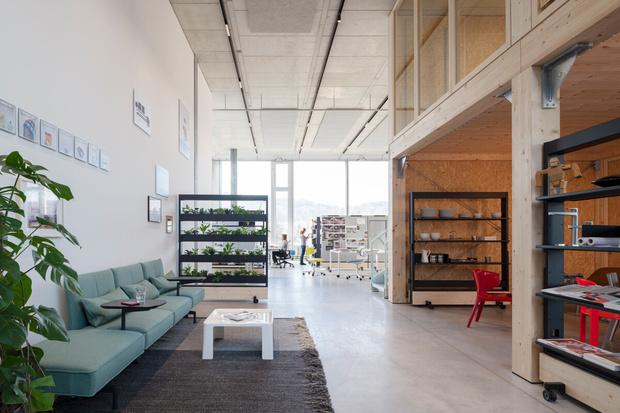 Фото №2 - Танцующий офис: студия дизайнера Стефана Хюрлеманна