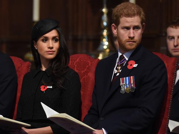 Фото №1 - Приедут ли Гарри и Меган на похороны принца Филиппа (и почему они могут на них не попасть)