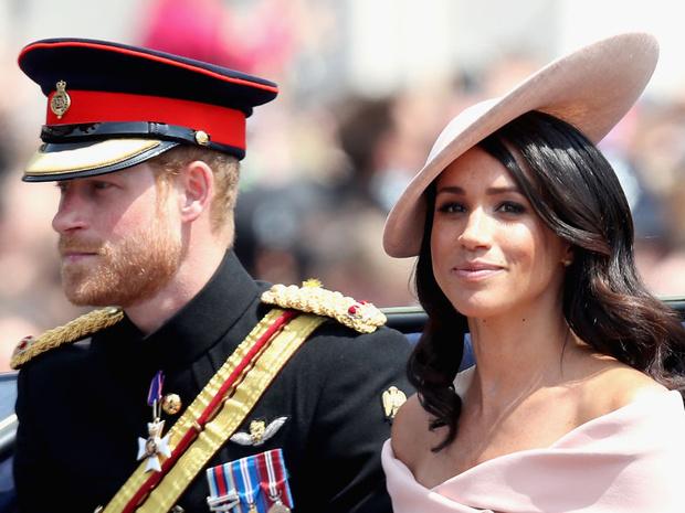 Фото №1 - Гарри и Меган отказались вернуться в королевскую семью: реакция дворца и Елизаветы II