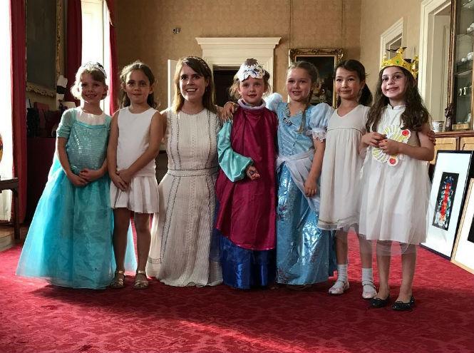 Фото №7 - Будет ли у принцессы Евгении самая звездная свадьба в Виндзоре?